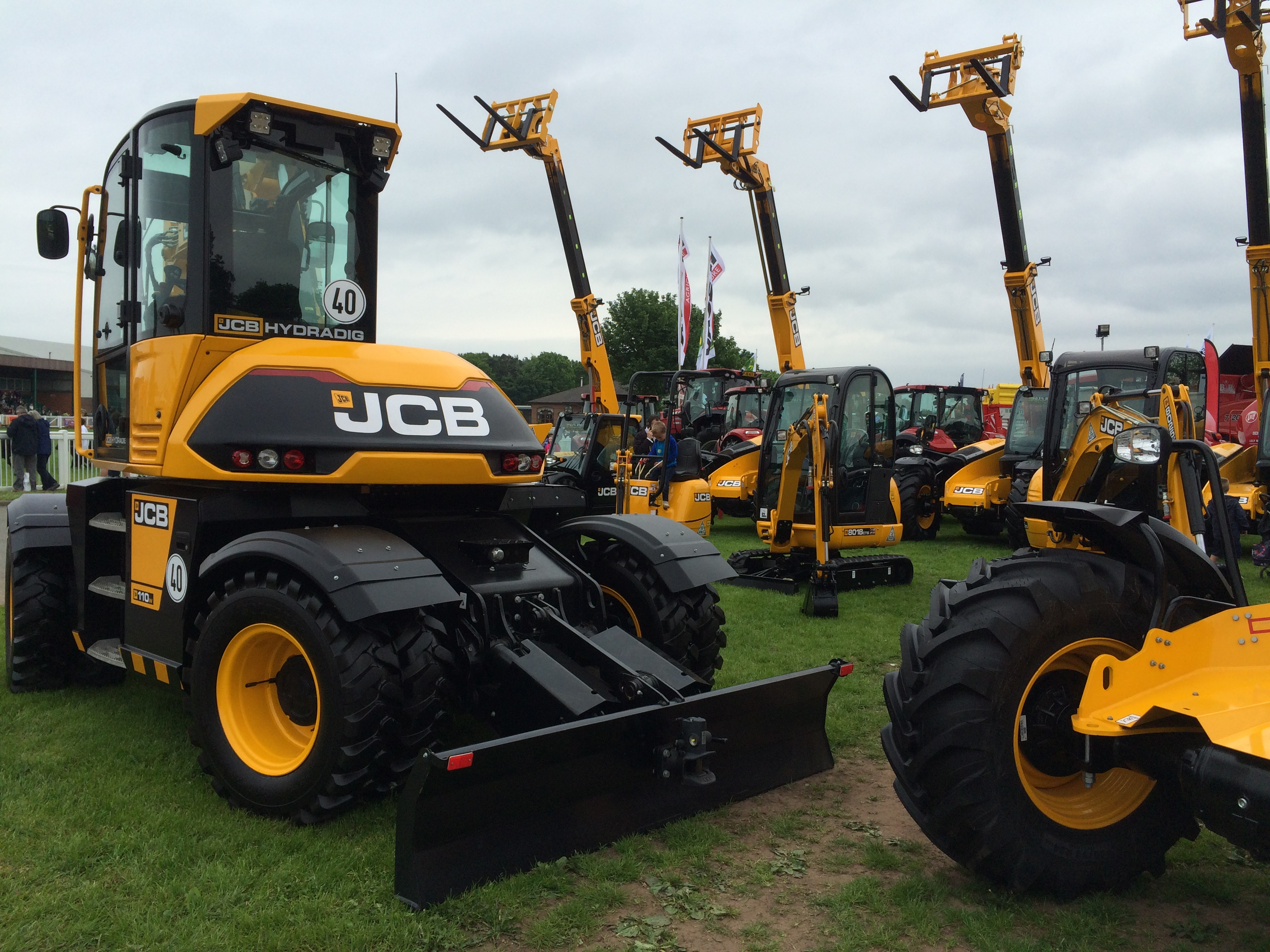 Hydradig at show 4