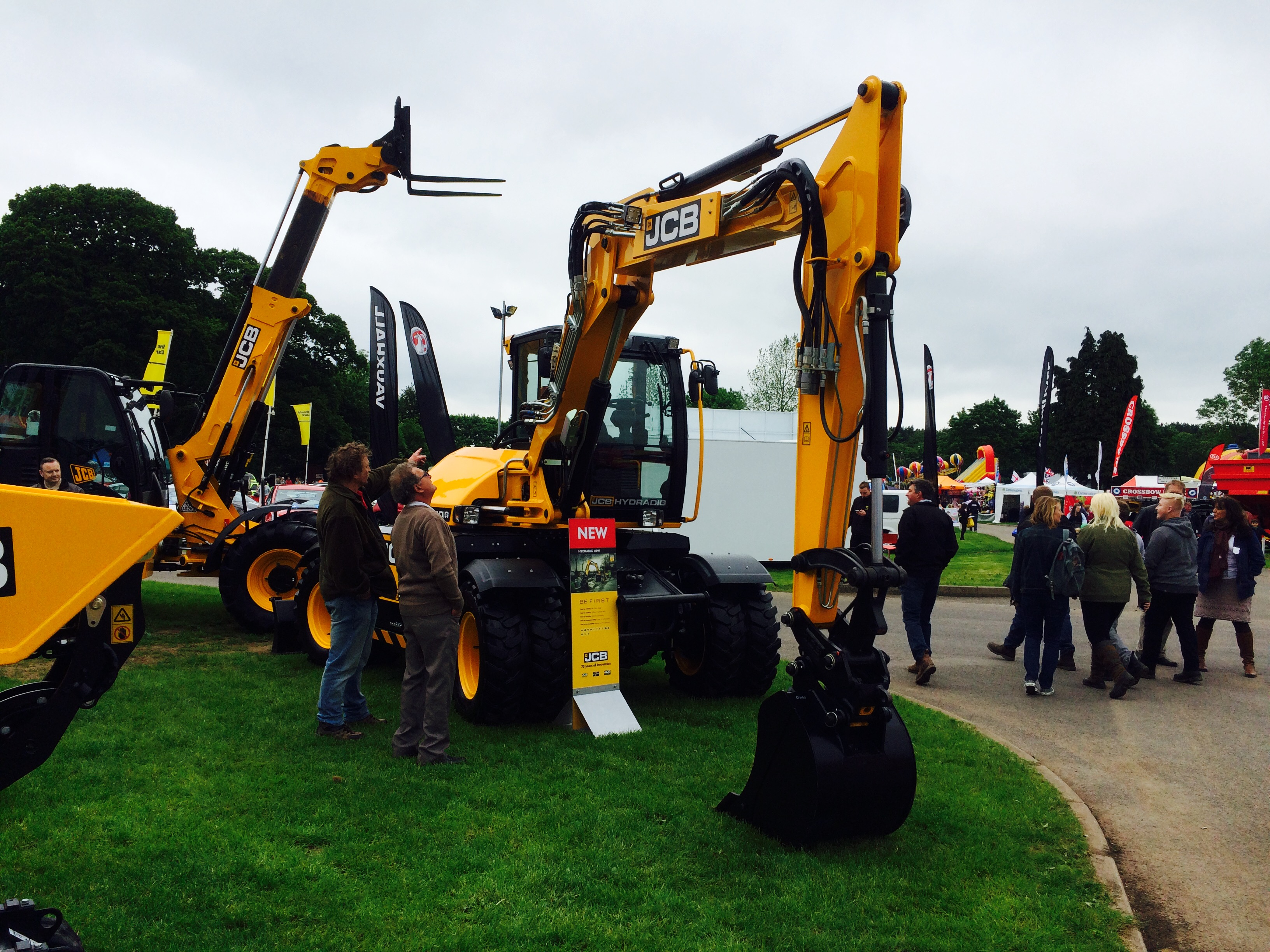 Hydradig at show 8